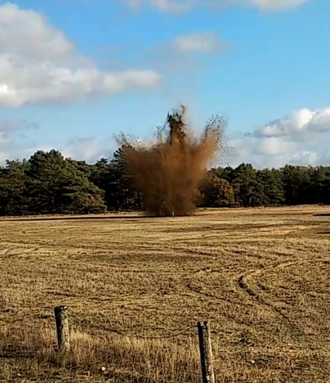 Trillingen in de bodem tijdens detonatie van explosieven